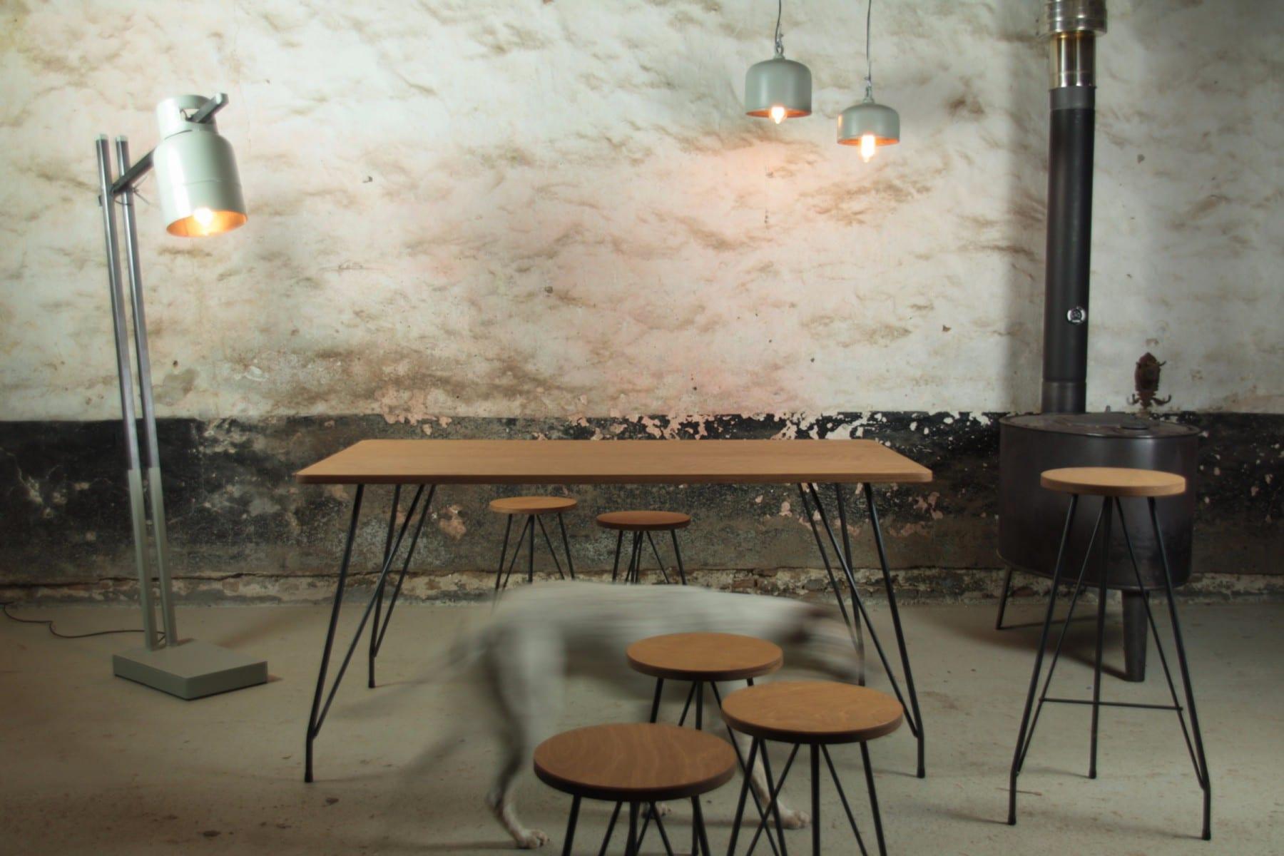 Tafel kruk barkruk industrieel eames mooimakerij for Stalen onderstel tafel laten maken