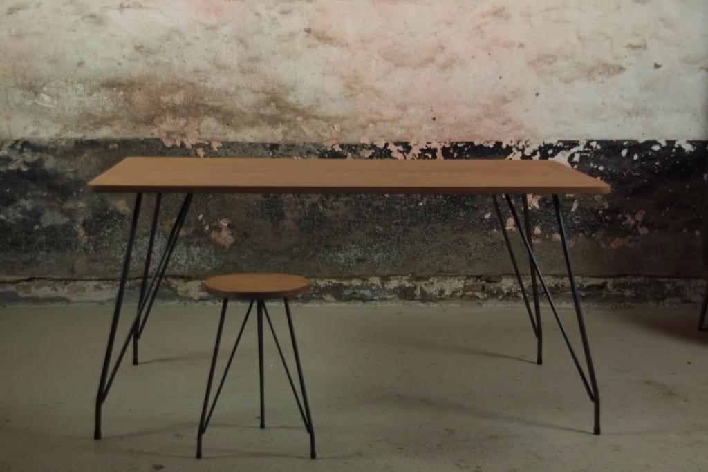 Tafel op maat mooimakerij houtkwadraat for Stalen onderstel tafel laten maken