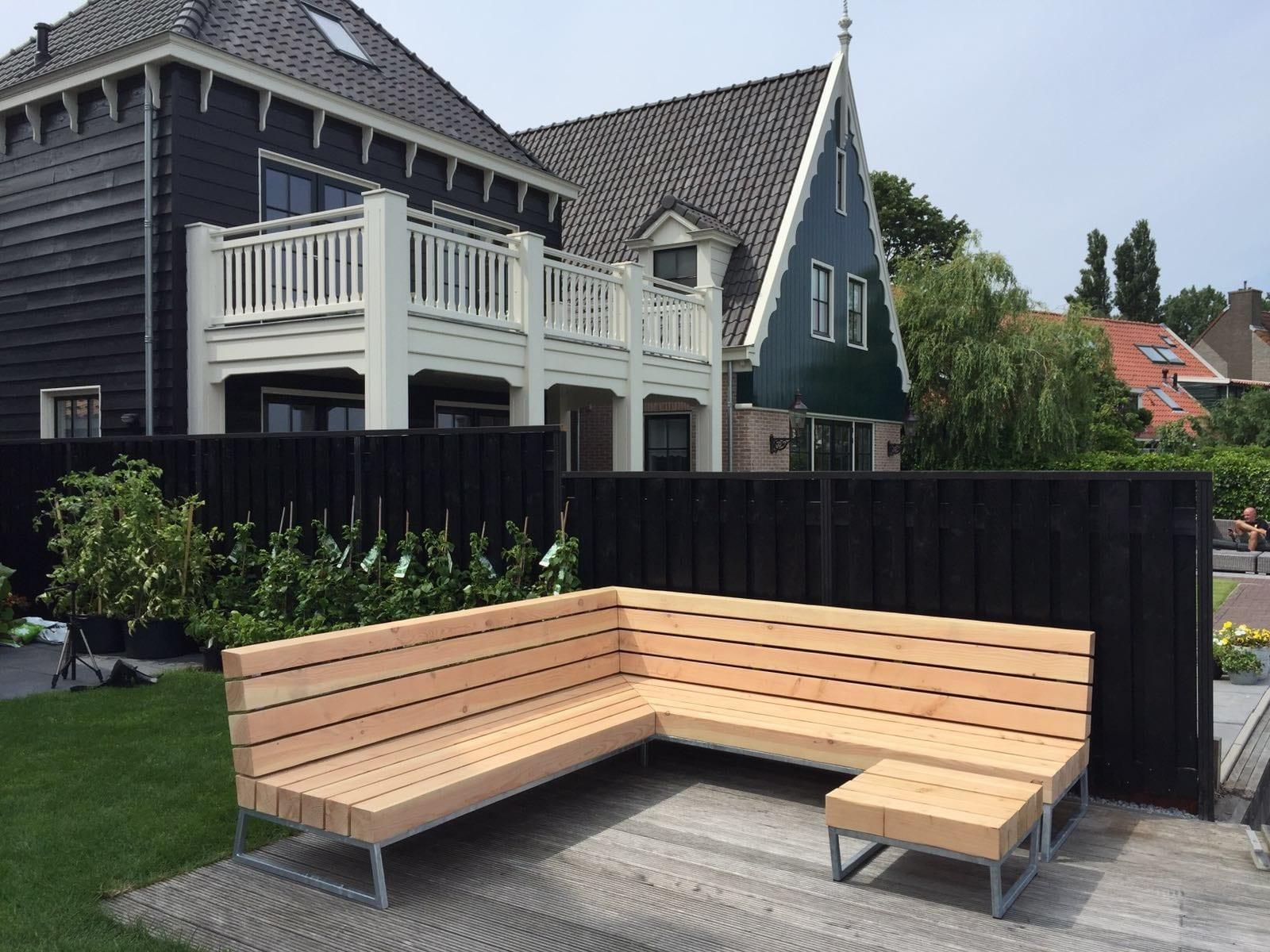 hoek loungebank voor in de tuin meubelmakerij houtkwadraat. Black Bedroom Furniture Sets. Home Design Ideas