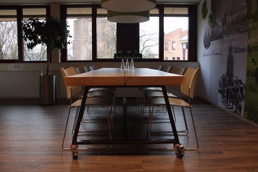 Eettafels met ijzeren frame : Eettafel ijzeren frame loungeset